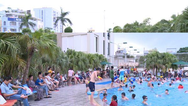 Tập trung ở hồ bơi đang là giải pháp nhiều người dân lựa chọn nhằm giải tỏa cái nóng ngày hè